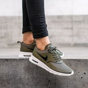 Nike Air max Thea olive green sneakers